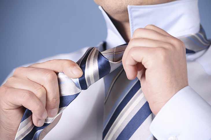 La cravatta è fuori moda
